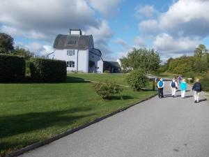 Besöket började med en visning av kulturhuset och de detaljer som ger en fin helhetskänsla.