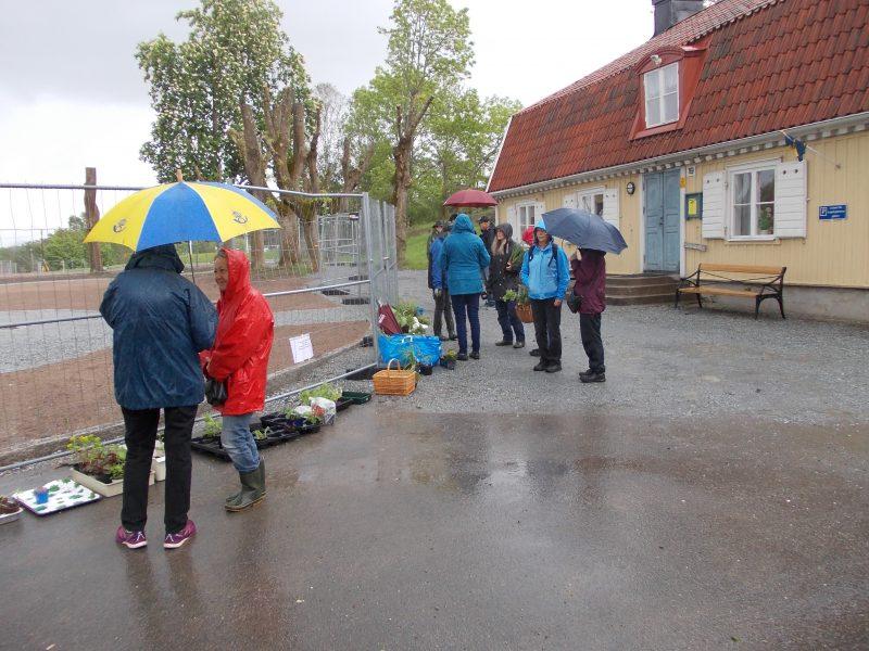 Bild som visar försäljarna vid Skälby gård